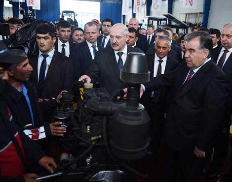Сдача в эксплуатацию первой очереди совместного тракторостроительного предприятия Таджикистана и Беларуси в городе Гиссар