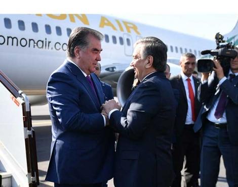Встреча Президента Республики Таджикистан Эмомали Рахмона в Международном аэропорту Ташкента имени Ислама Каримова